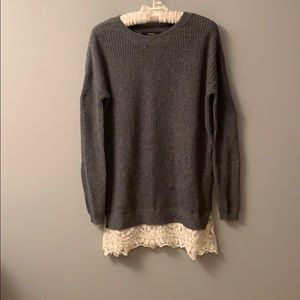 Forever 21 leggings sweater with lace trim